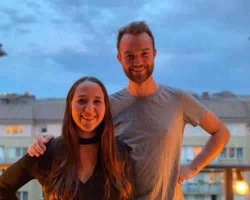 Couple looking for a 2-bedrrom apartment in central Stockholm