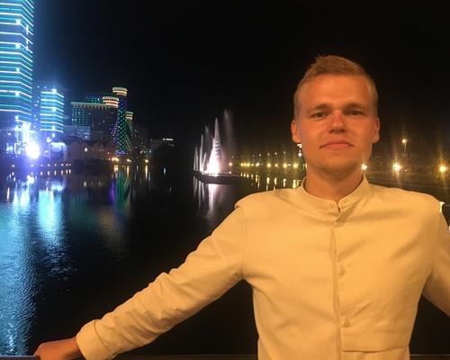 Male student from Latvia, age 24, looking for apartment.