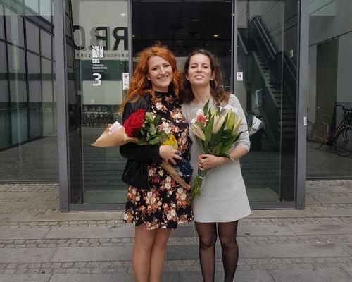 Two female students looking for an apartment in Copenhagen.