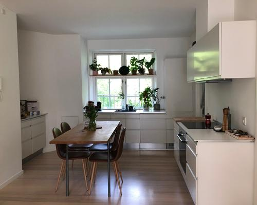 Cosy Room in Central and Newly Renovated  Apartment