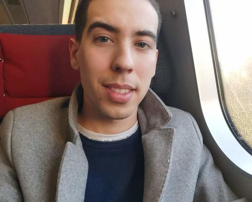 Couple looking for an T2 appartment to live