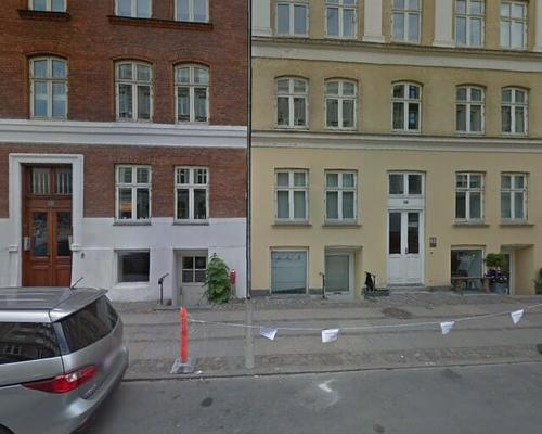 I am offer my available spacious furnished room in Copenhagen