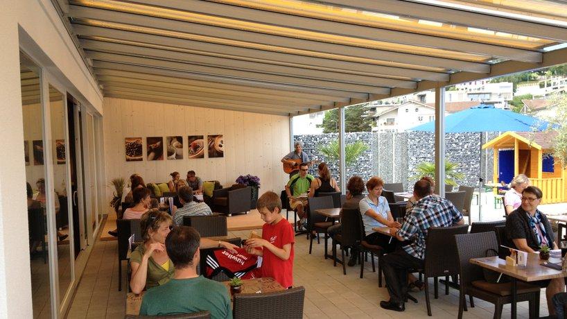 Terrasse Café, Spielhaus Kinder