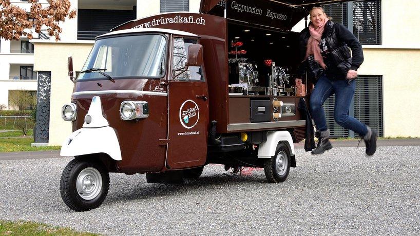DrüRadKafi-Mobil mit Andrea