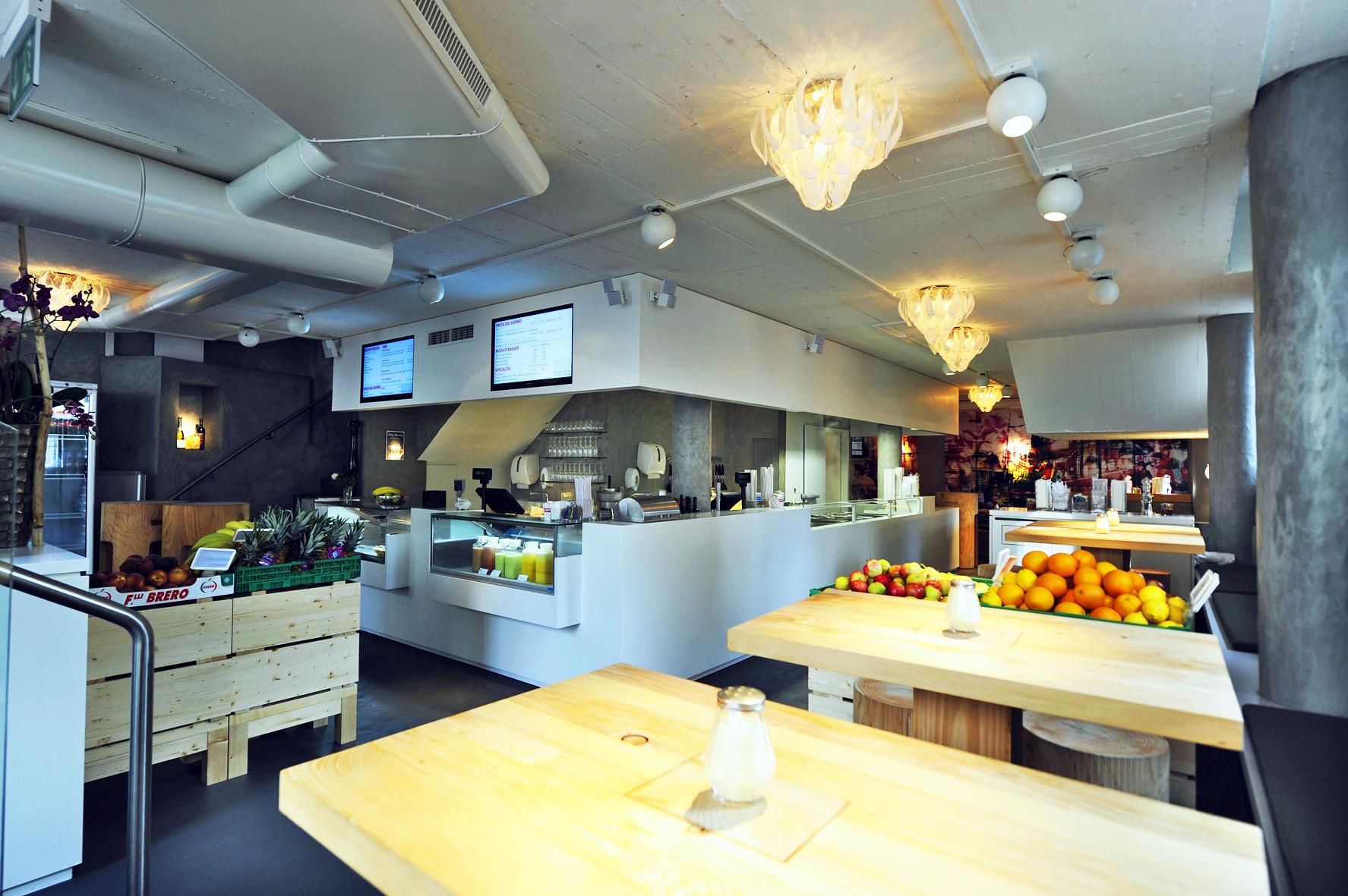 Tschingg in z rich ausgezeichnete restaurants bars for Modernes haus zurich