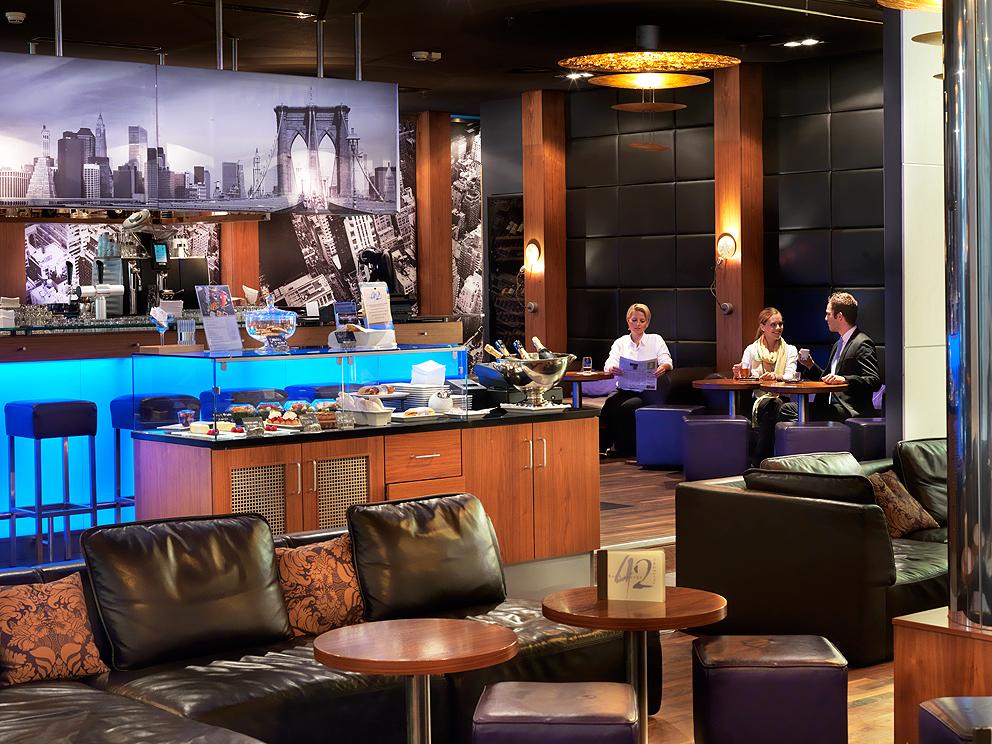 Bar lounge 42 im z rich marriott hotel in z rich for Bar 42 nurnberg