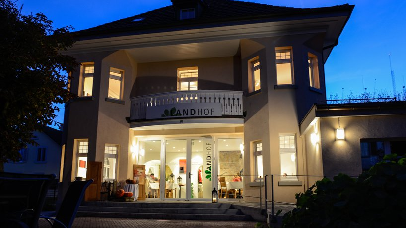 Landhof 1