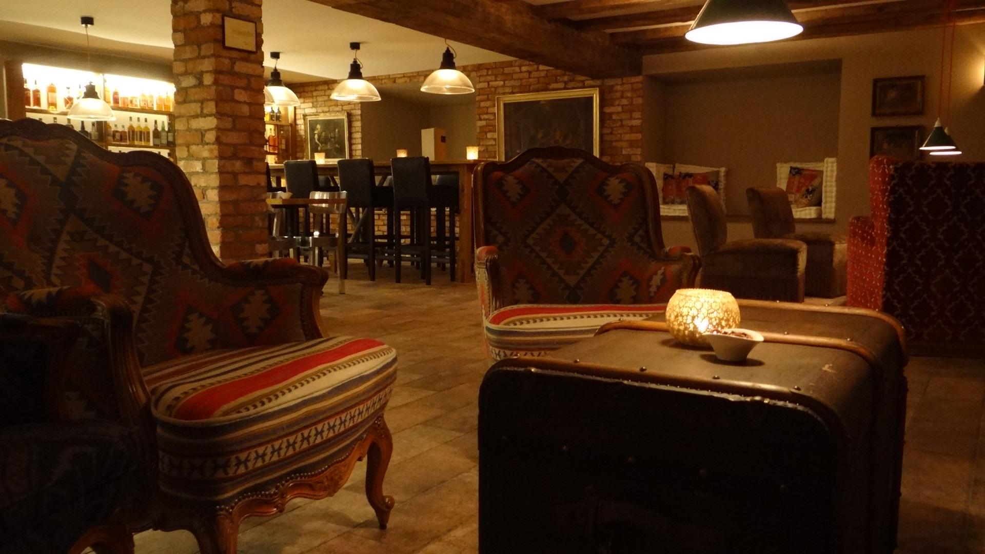 More Bar in Bubikon - Ausgezeichnete Restaurants, Bars, Take-Aways ...