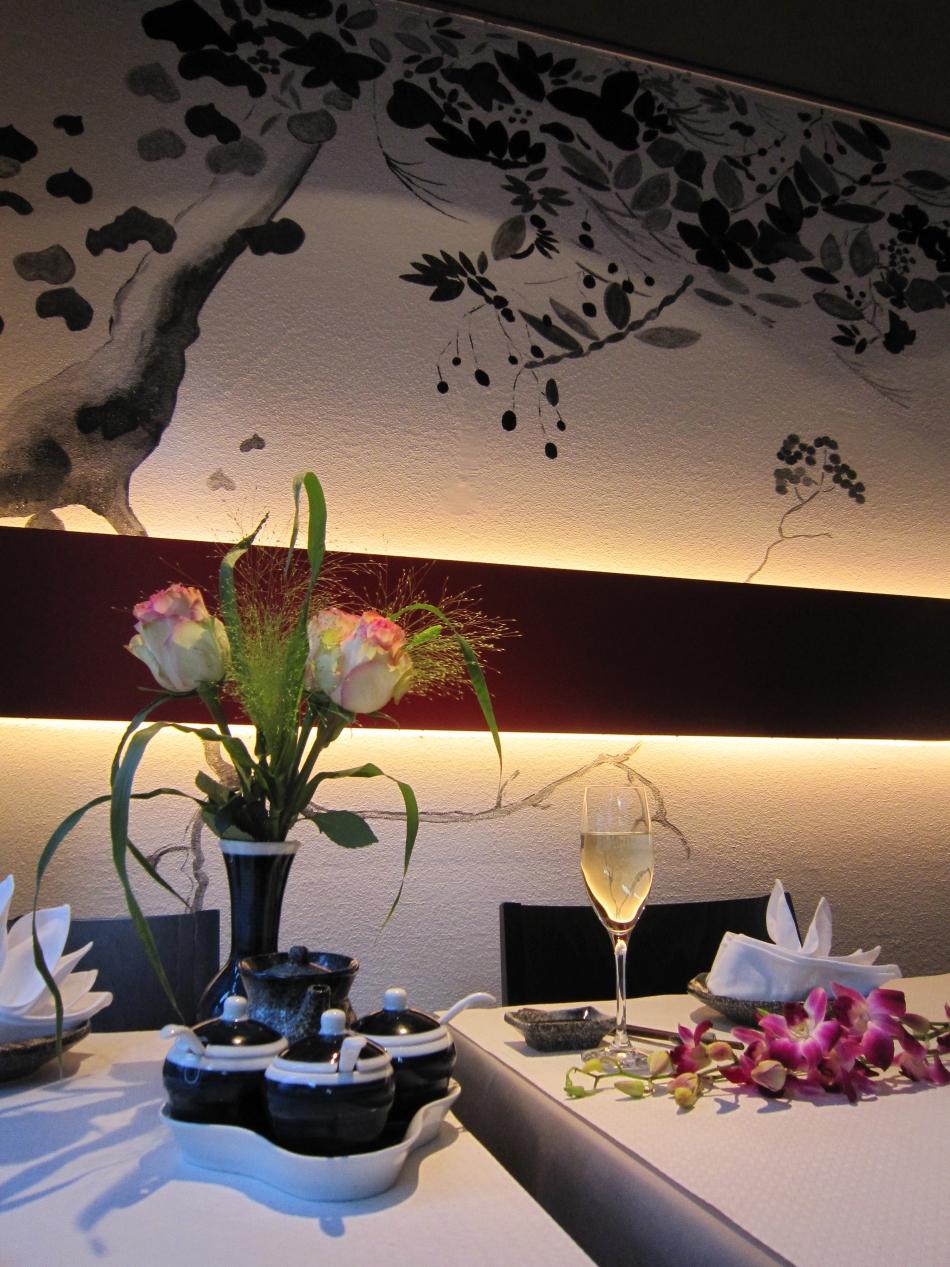 yen 39 s in z rich ausgezeichnete restaurants bars take aways caf s und mehr finden bosg. Black Bedroom Furniture Sets. Home Design Ideas