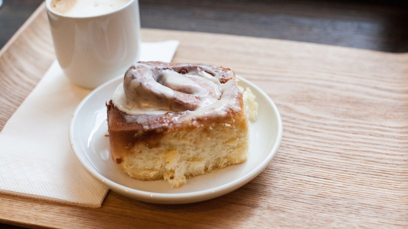 delish Cinnamon roll