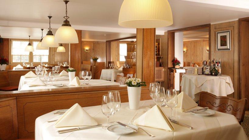 Restaurant T.10