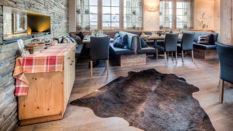 Gemütliche Sitzecke im Speisesaal
