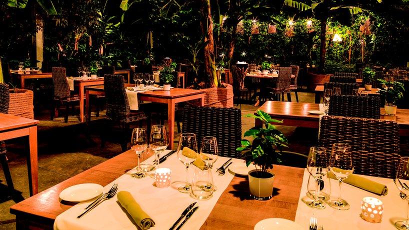 Atmospähre im Restaurant MAHOI am Abend