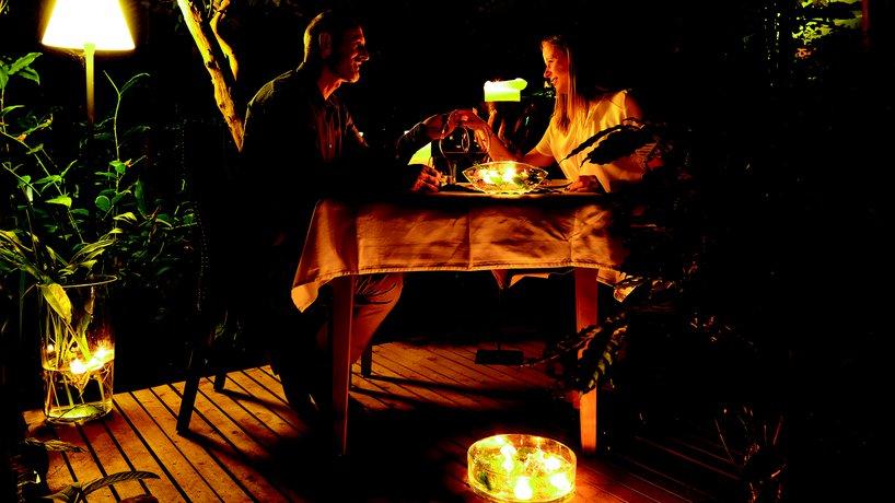 Tête à tête Tisch im Restaurant MAHOI