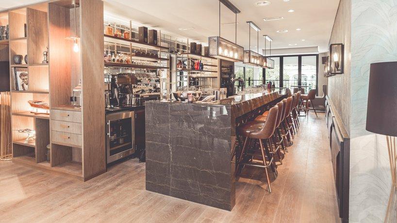 Bar Obergeschoss