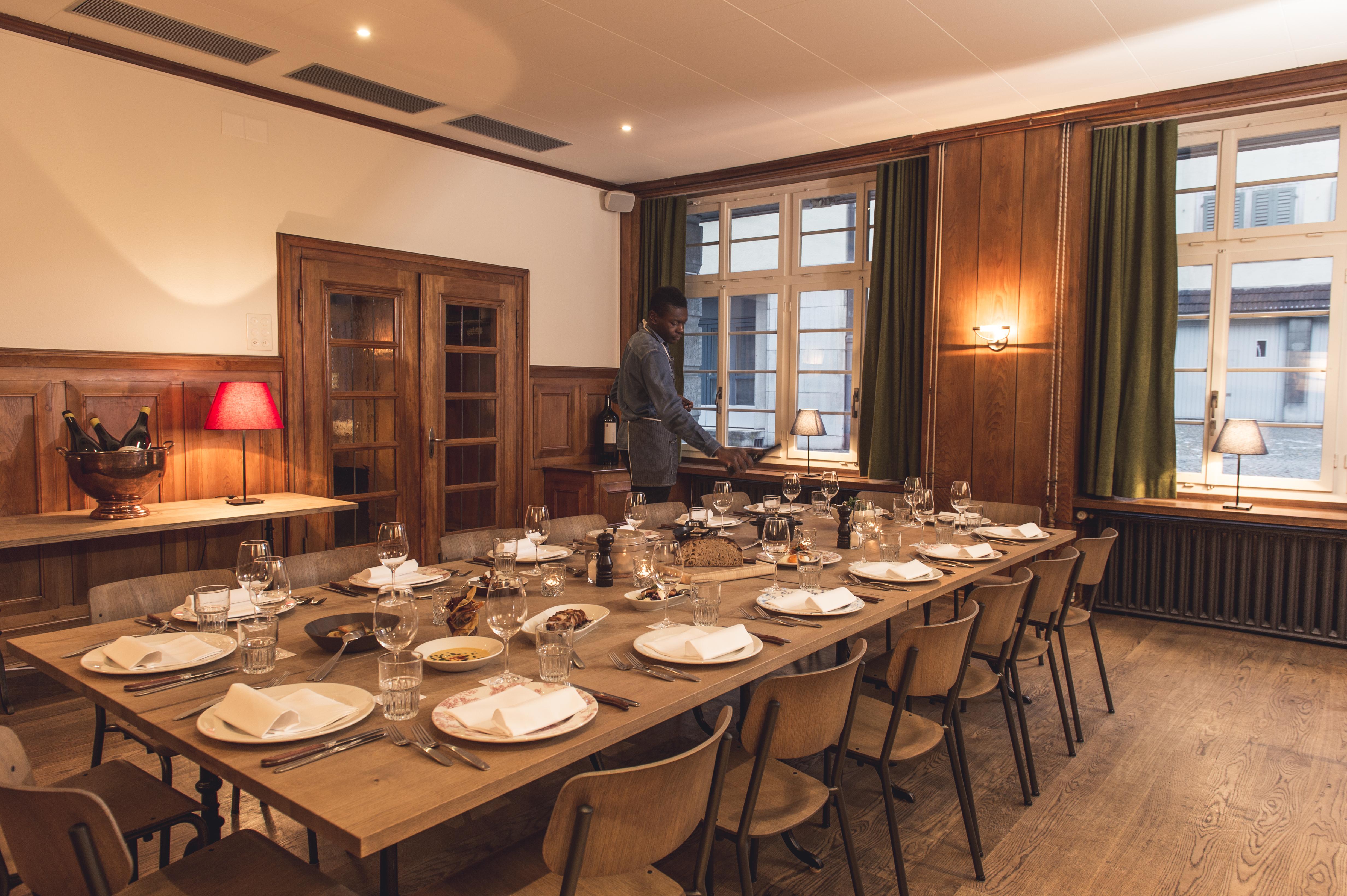 wilder mann in z rich ausgezeichnete restaurants bars take aways caf s und mehr finden bosg. Black Bedroom Furniture Sets. Home Design Ideas
