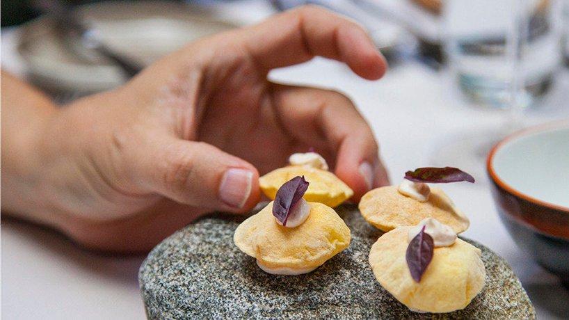 Sardisches Brot mit Frischkäse