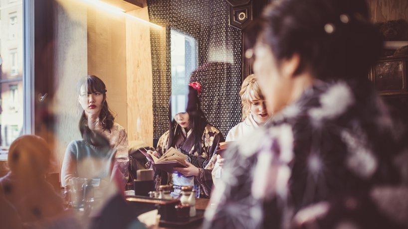 Kimonoladies zu Besuch im Tatamizimmer