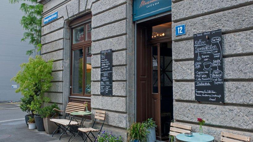 Eingang Seite Bremgartnerstrasse in Wiedikon