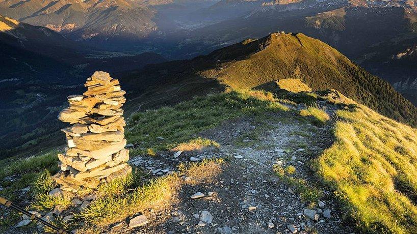Piz Scalottas liegt in einen von den schönsten Wandergebieten der Schweiz
