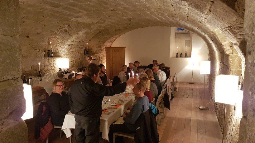Spanischer Abend mit Weindegustation und 7 Gang Menü