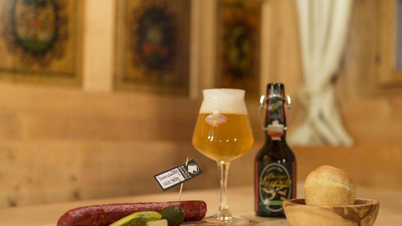 Schüblig mit Felsenau Bier