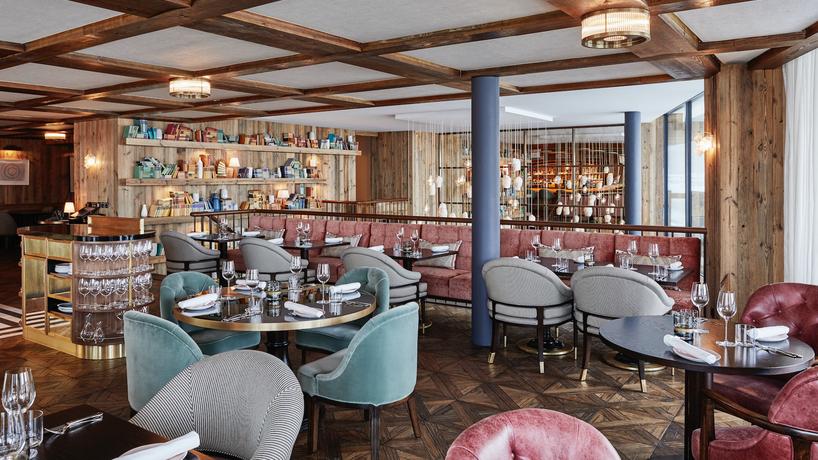 Fine-Dining Restaurant- Club Room