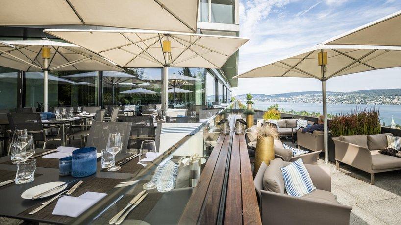 Sonnenterrasse mit Infinity Lounge