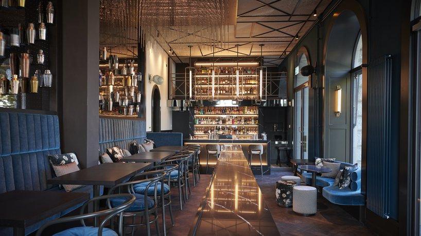 Bar & Saal