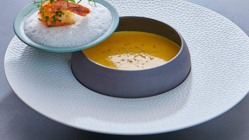 Mango Curry Suppe mit EDEN Riesenkrevette & Kokosschaum