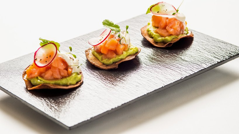 tostaditas de salmon