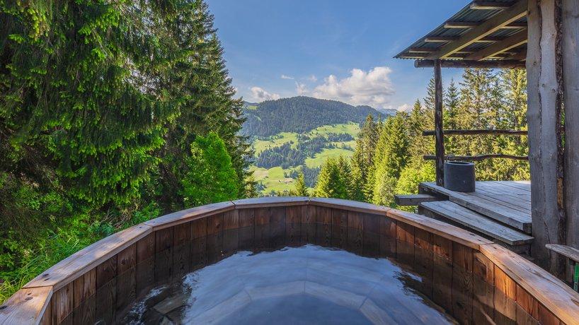 Hot Tub im kleinen Spa