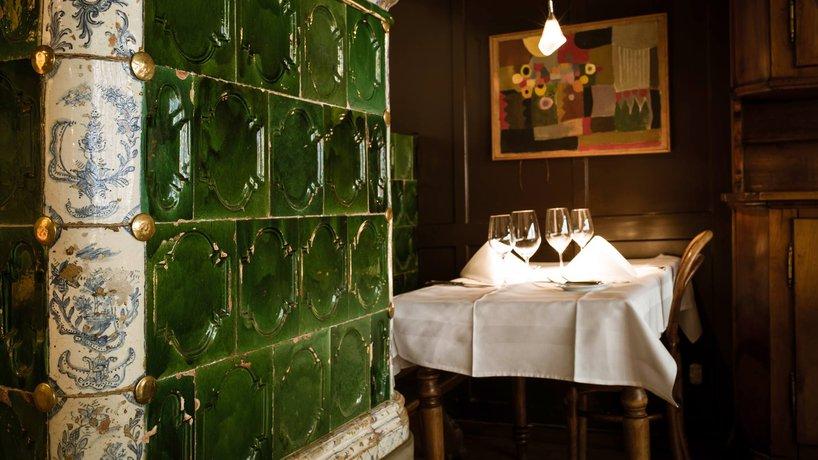 Interieur_Beizli_Restaurant_Kachelofen