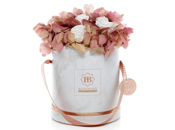 Blossom Box: Marmor trifft auf Hortensien und Rosen