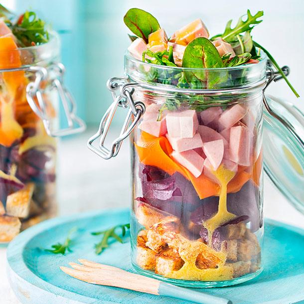 Gutfried Bio Hähnchen-Fleischwurst im Salat