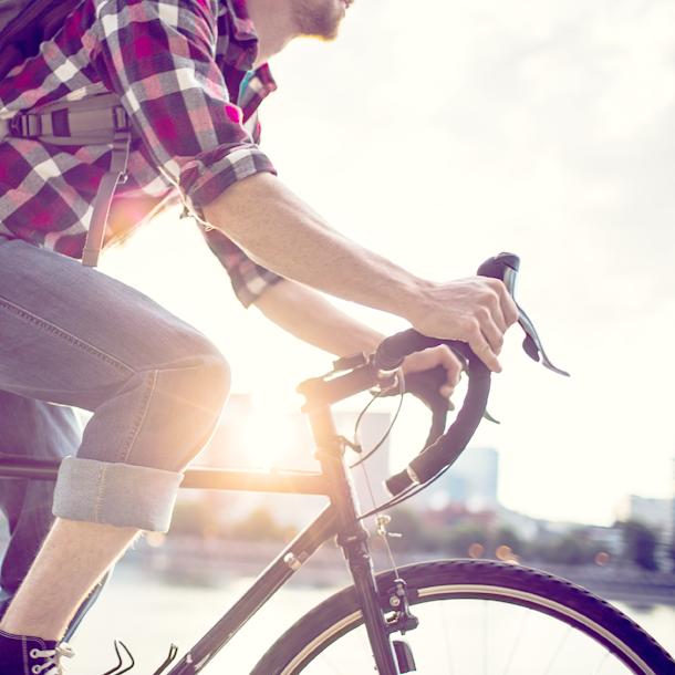 Aktiv sein mit Kölln Müsli-Riegeln, z.B. beim Rad fahren