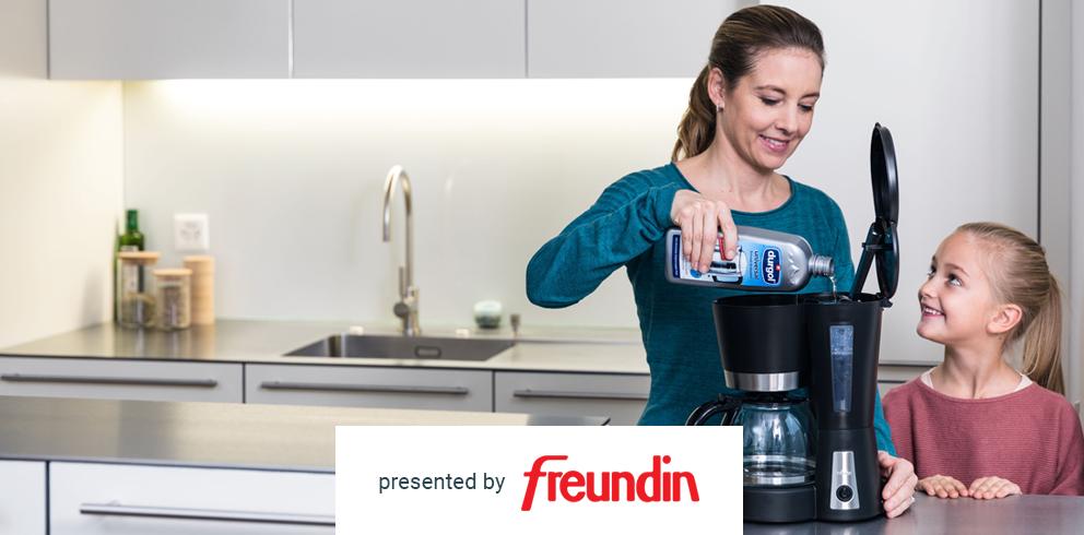 universal Schnell-Entkalker & den swiss espresso Spezial-Entkalker von durgol kostenlos testen