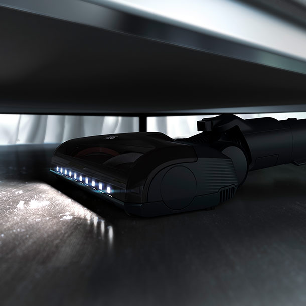 Der neue AEG FX9-1-IBM Akku-Handstaubsauger im Einsatz