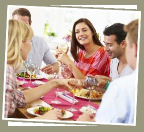 MEDION Küchenmaschine: Essen mit Freunden
