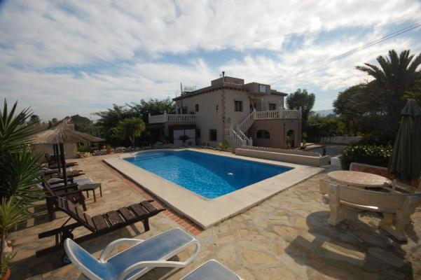 Villa for sale in Ondara