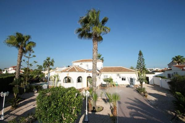 Villa for sale in La Siesta