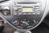 Ford Focus Wagon - 1.6-16V Ghia