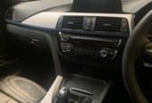 Thumbnail 9 van BMW 3-serie 320d Edition M Sport Shadow High Executive