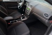 Ford Focus 1.6-16V First Edition | L.M velgen | Metallic |