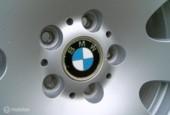 BMW lichtmetalen velgen met winterbanden 225-60-17
