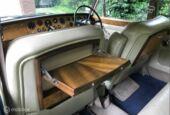 Bentley T1 saloon