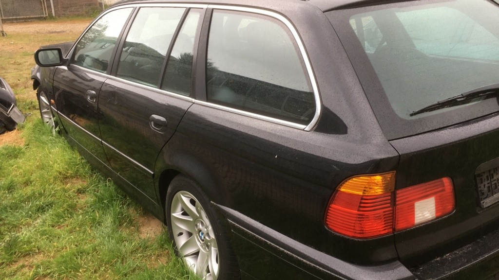Afbeelding 6 van BMW 5-serie Touring E39 525i Edition