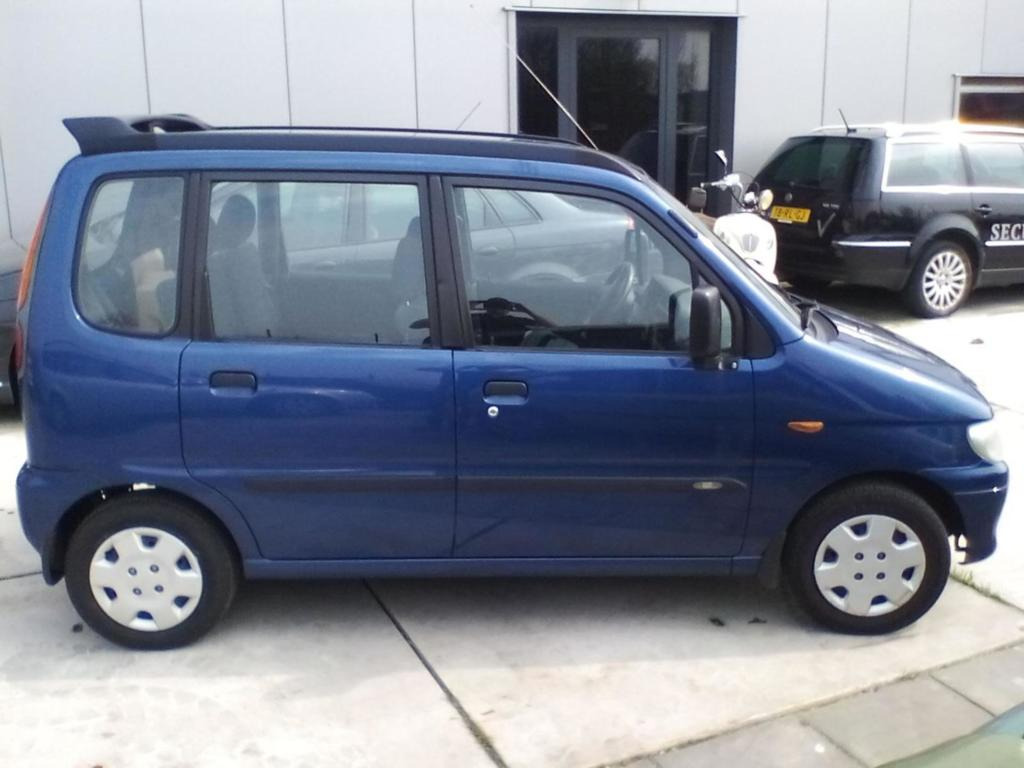 Afbeelding 1 van Daihatsu Move 1.0-12V