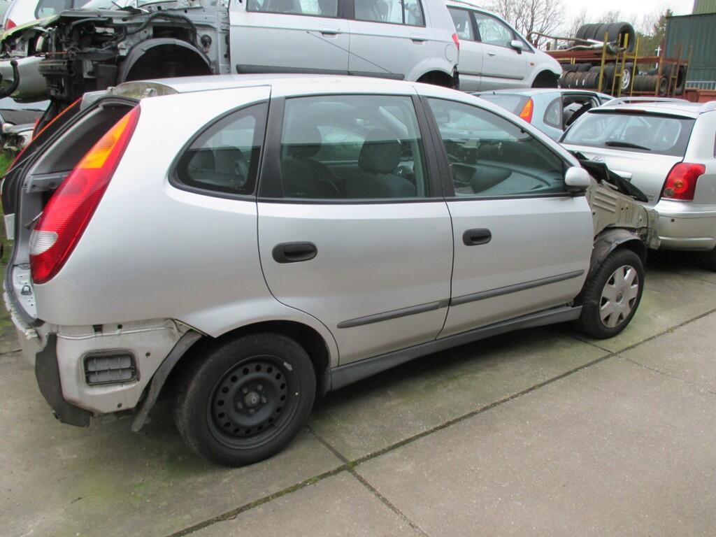 Afbeelding 1 van Nissan Almera Tino 1.8 Visia