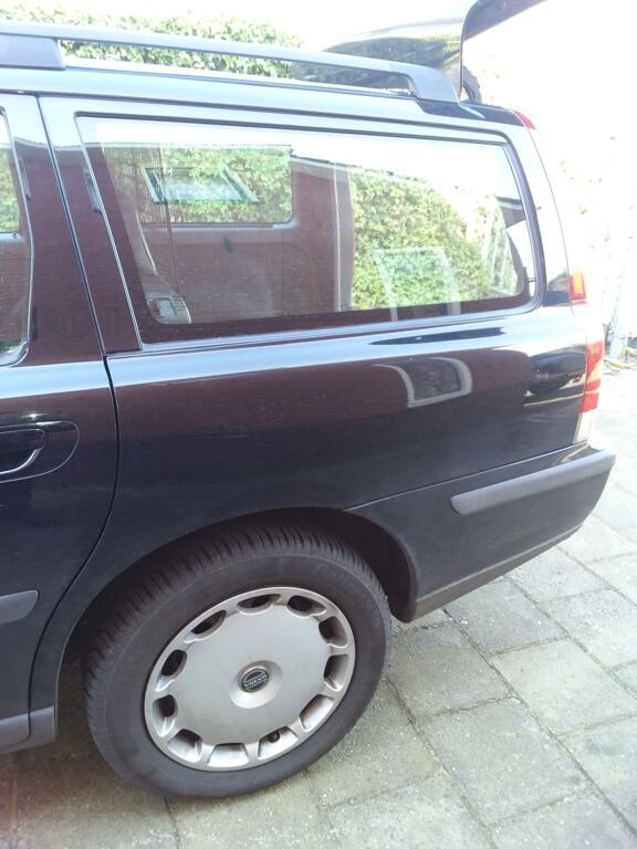 Afbeelding 21 van Volvo V70 2.4 D5